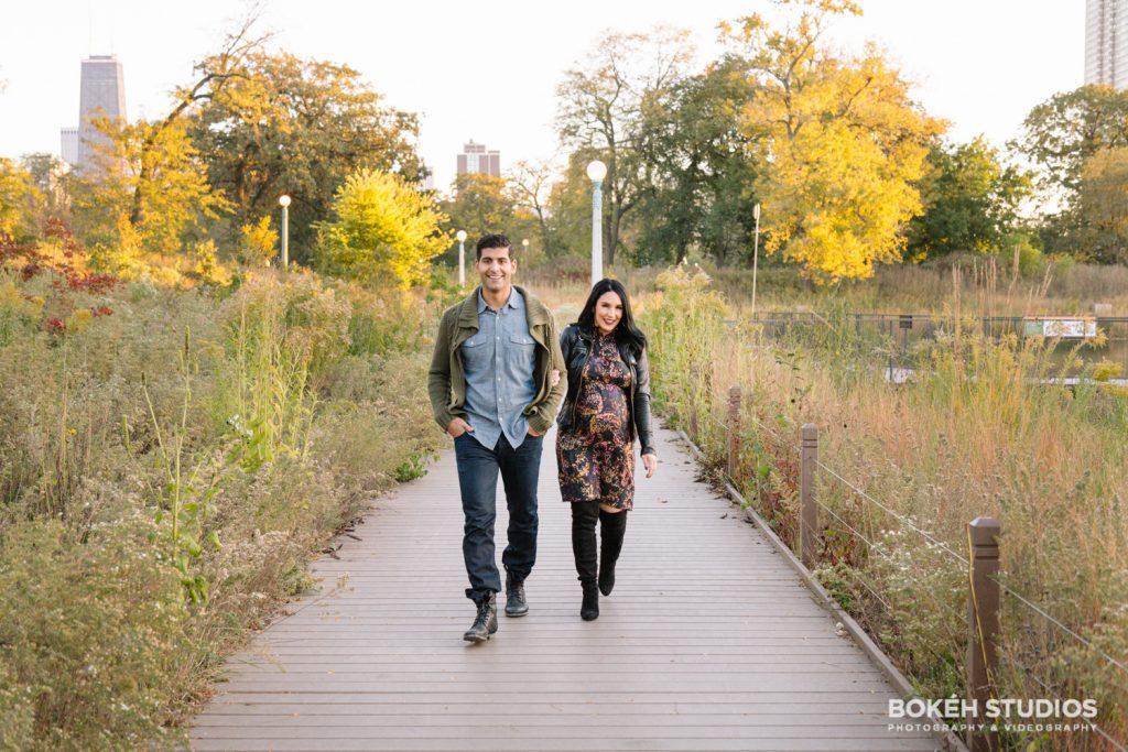 Bokeh-Studios_Lincoln-Park-Maternity-Shoot-Chicago_Nature-Boardwalk_Honeycomb-Structure_15