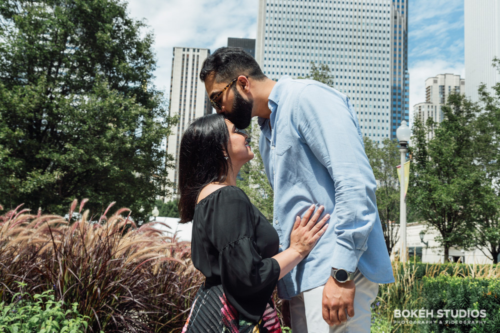 Bokeh-Studios_Downtown-Chicago-Engagement-Photography_Photographer_Best_Art-Institute_01
