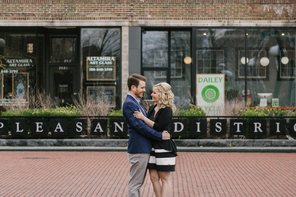 Bokeh-Studios_Downtown-Oak-Park_Engagement_Photography_Photographer_Wedding_05