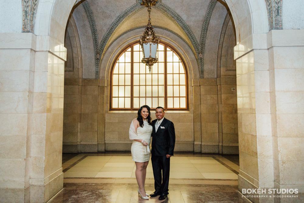 Bokeh-Studios_City-Hall-Wedding_Chicago-Wedding-Photographers-Photography_Downtown-Chicago_03