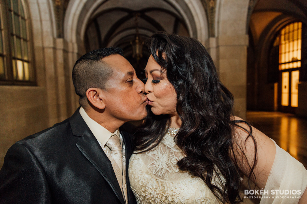 Bokeh-Studios_City-Hall-Wedding_Chicago-Wedding-Photographers-Photography_Downtown-Chicago_07