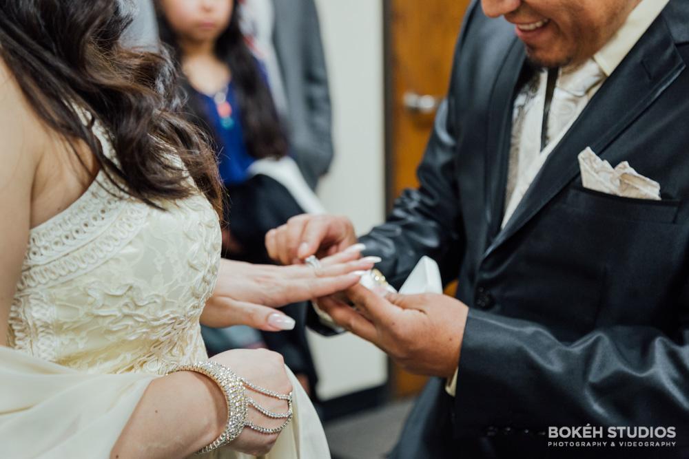 Bokeh-Studios_City-Hall-Wedding_Chicago-Wedding-Photographers-Photography_Downtown-Chicago_27