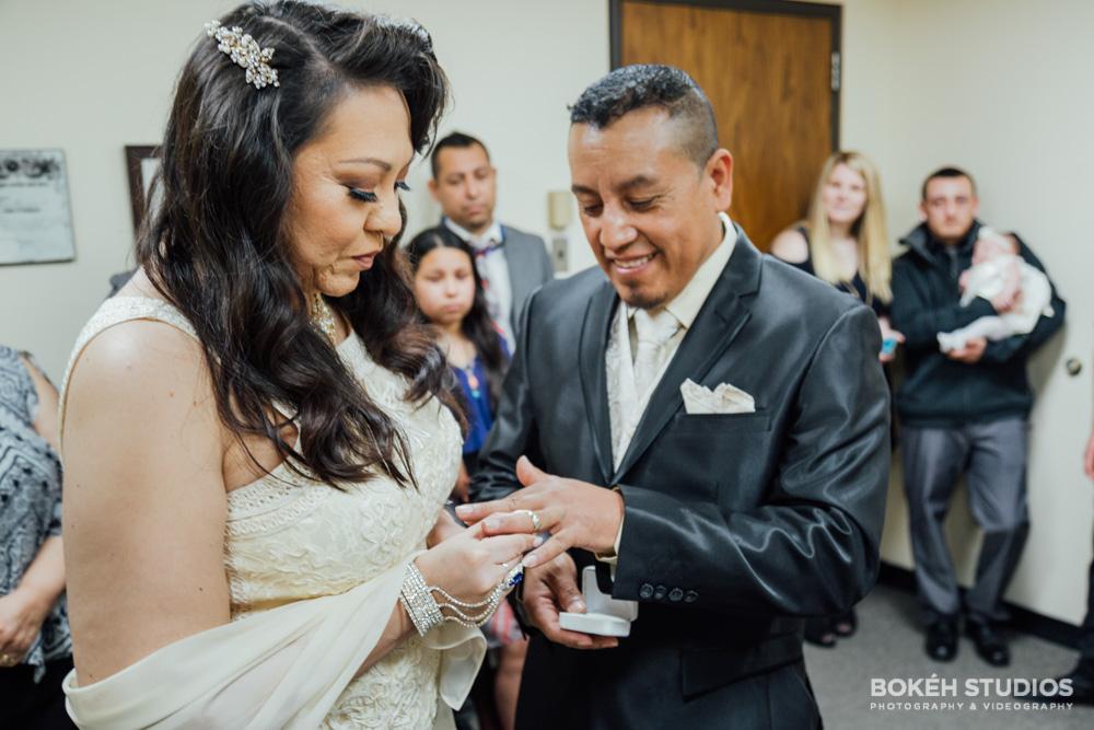 Bokeh-Studios_City-Hall-Wedding_Chicago-Wedding-Photographers-Photography_Downtown-Chicago_28