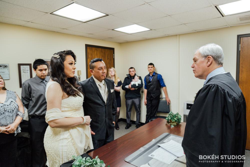 Bokeh-Studios_City-Hall-Wedding_Chicago-Wedding-Photographers-Photography_Downtown-Chicago_30