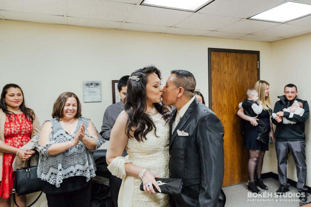 Bokeh-Studios_City-Hall-Wedding_Chicago-Wedding-Photographers-Photography_Downtown-Chicago_31