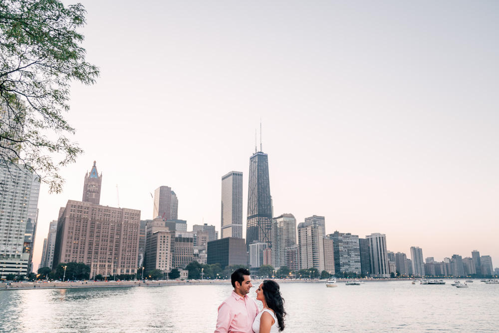 Bokeh-Studios_Chicago-Engagement_Photographer-Adler-Planetarium_Museum-Campus_05